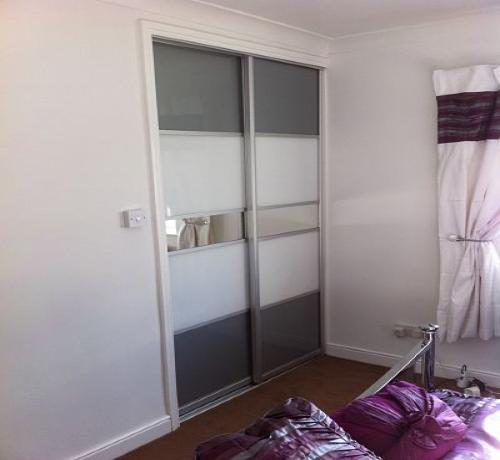 2 Door manhattan white grey mirror 1200-2000mm